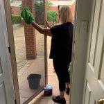 CLEANING SCREEN DOOR